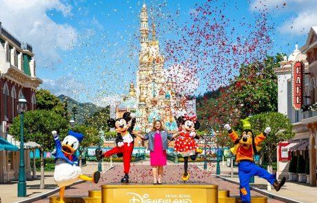 1. 香港迪士尼樂園於6月18日重新開放!